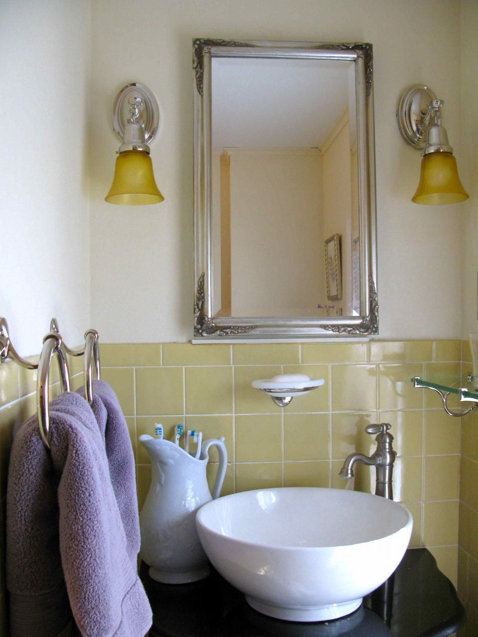 Latest Paint Colors For Small Bathrooms In Keppel Green Wall Color