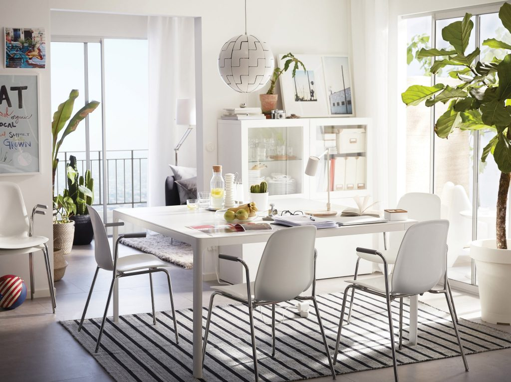 Reasons Why The White Dining Room Table Is Best For The Looks Of