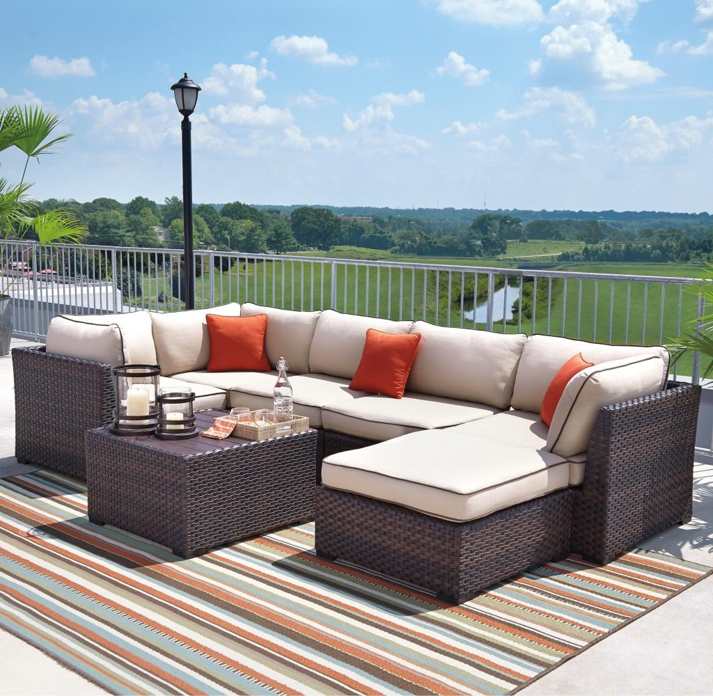 Renway Outdoor Sectional Set With Cocktail Table Signature Design