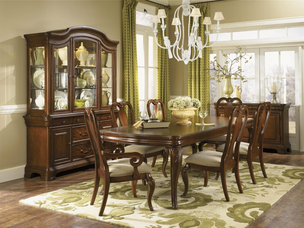 Seven Piece Dining Set With Queen Anne Chairs Legacy Classic