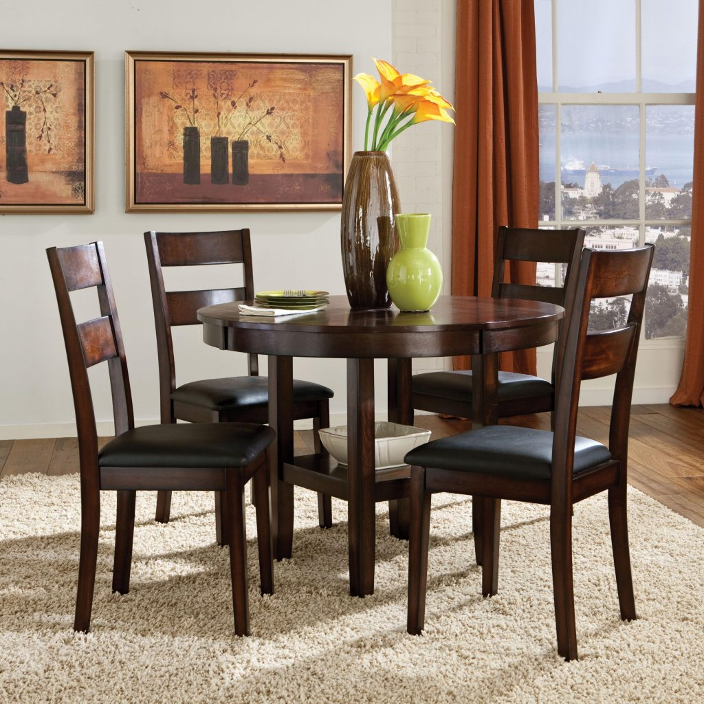 Standard Furniture Pendwood 5 Piece Round Table Dining Side Chairs