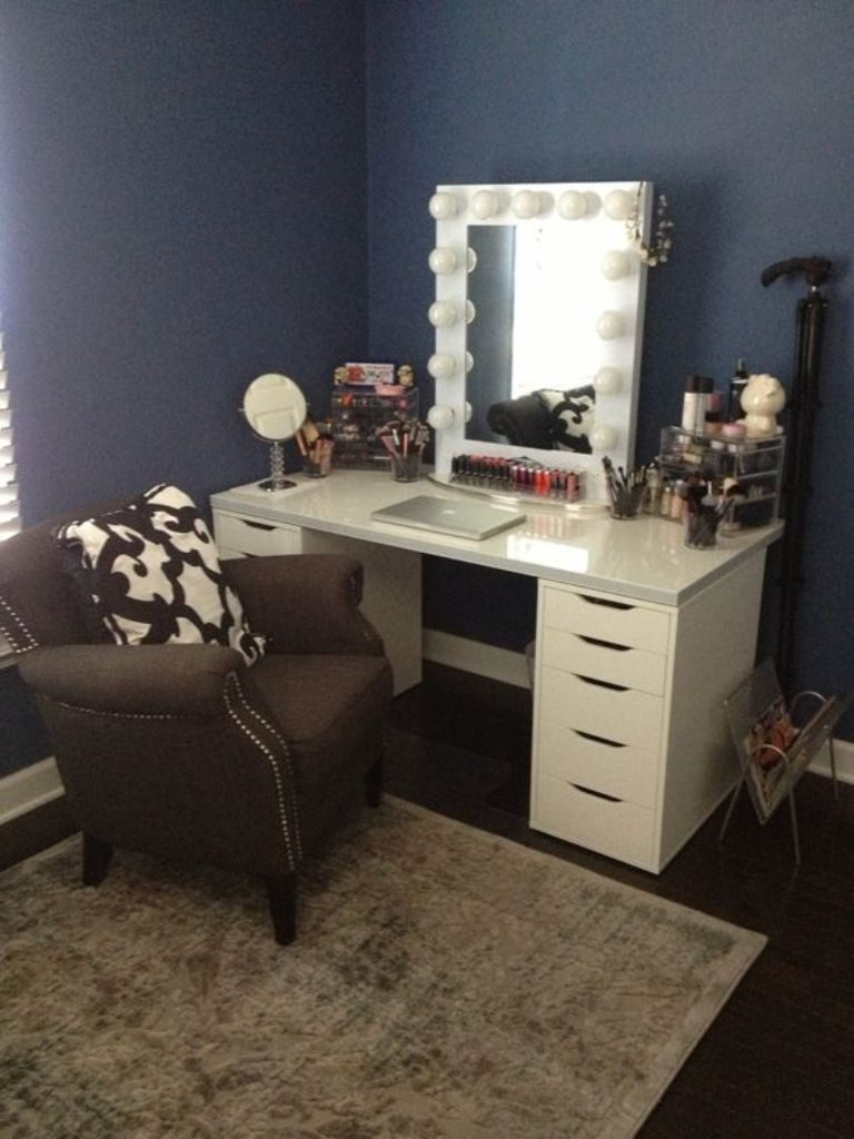 Table Vanity Table With Lighted Mirror Home Design And Wall