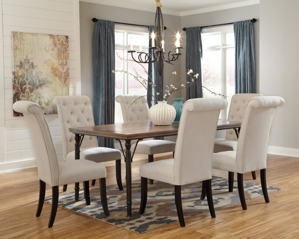 Tripton Rectangular Dining Room Table 6 Uph Side Chairs D53001