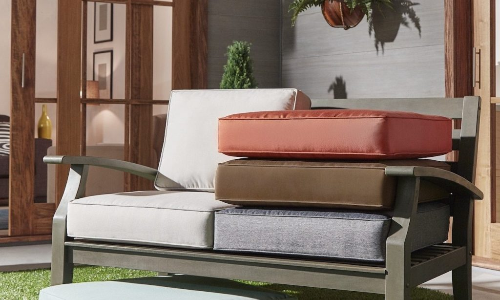 How To Buy Outdoor Furniture Cushions Overstock Tips Ideas