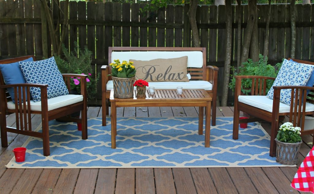 Make An Exciting Zone In Your Patio With World Market Outdoor Rugs