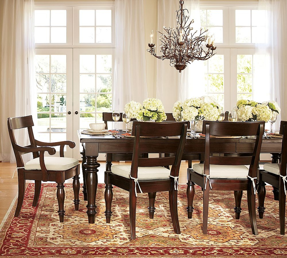 Nice Flower On Vases Dining Room Table Dcor Round Dining Room