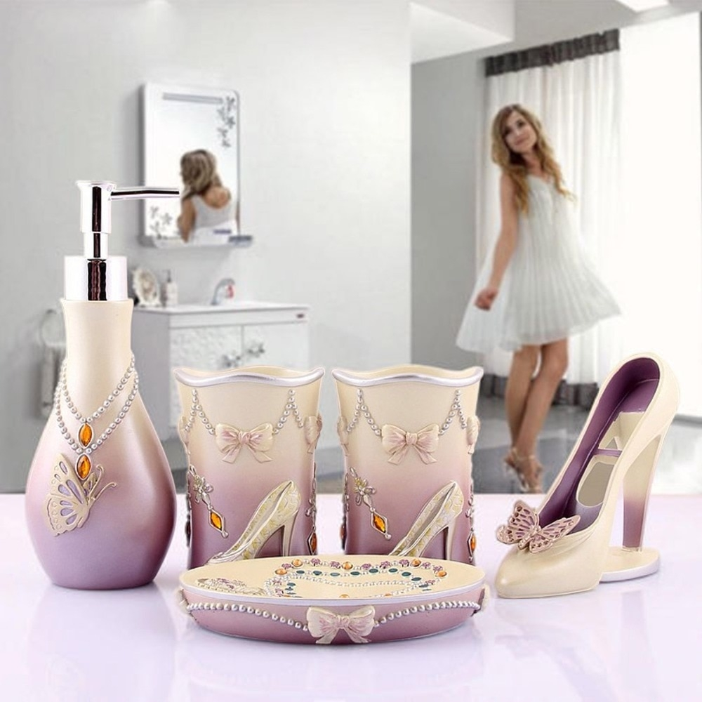 Online Shop Novelty High Heels 5pcs Bathroom Accessories Set Modern