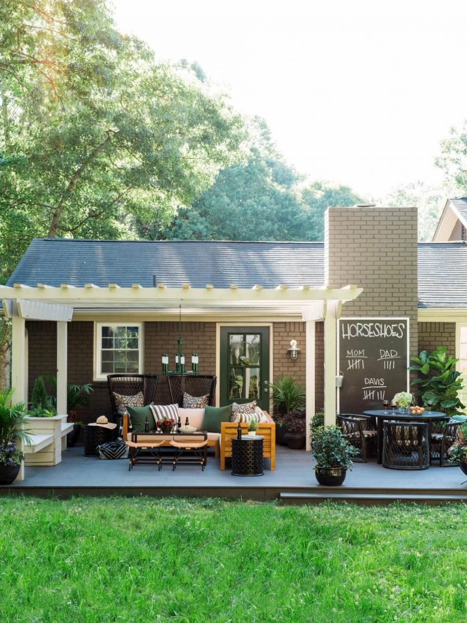 13 Easy Ways To Extend Your Outdoor Space Into Fall Hgtv Fall