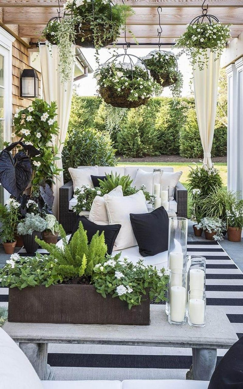 31 Stylish Outdoor Curtain Ideas To Spice Up Your Outdoor Space