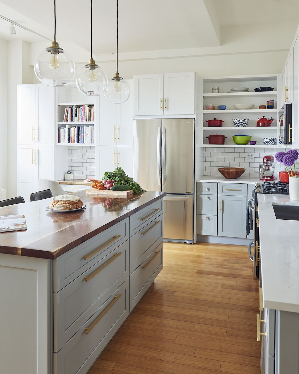 A Brooklyn Kitchen Shows Off Its Dazzling Side Home Kitchen