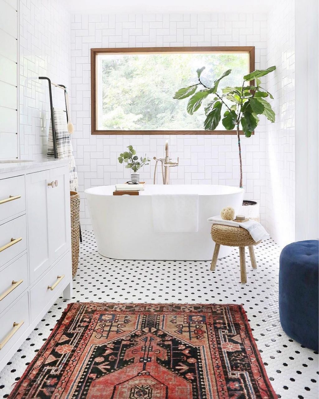 Bathroom With Persian Rug And Polka Dotted Floors Pinned Www