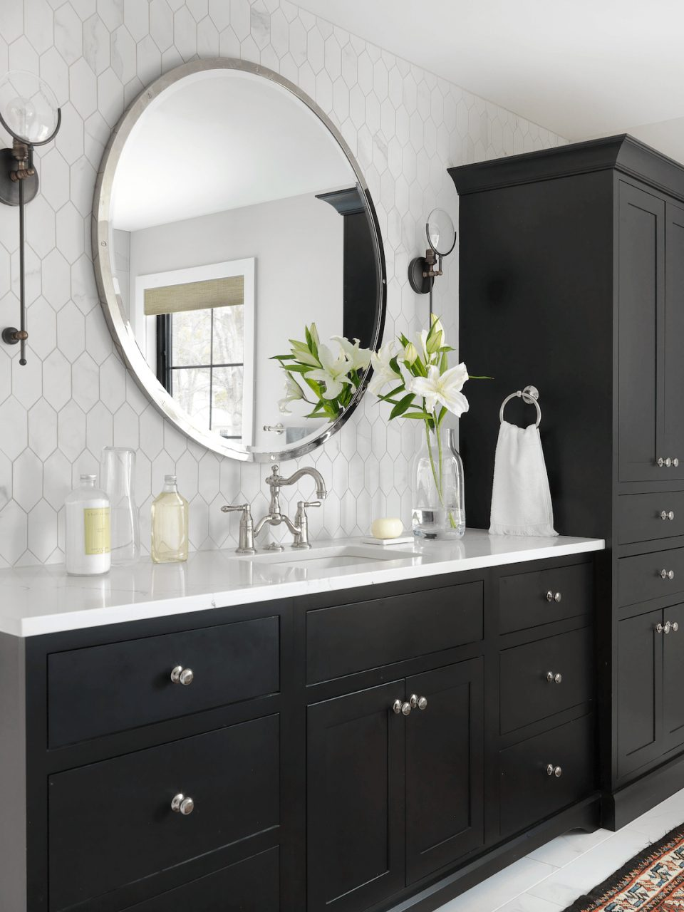 Black And White Master Bath Beckallen Cabinetry