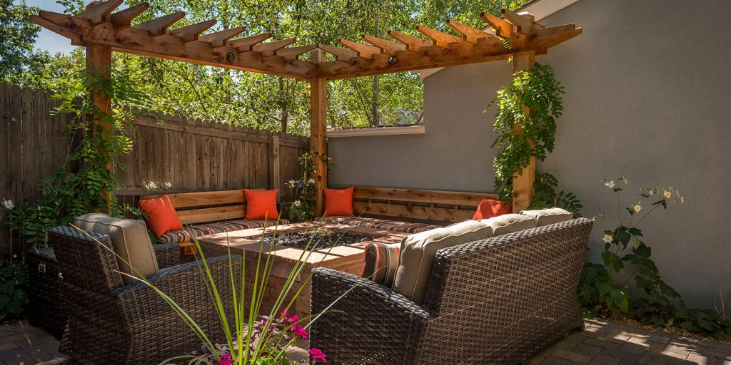 Custom Outdoor Kitchens And Living Areas In Denver