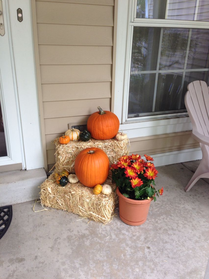Fall Front Porch Decor With Hay Bales And Pumpkins Fall Fall