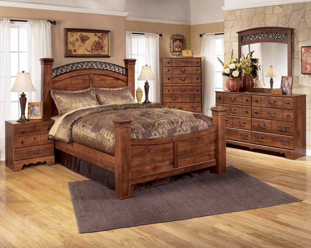 Four Poster Bedroom Sets At Bedroom Furniture Discounts