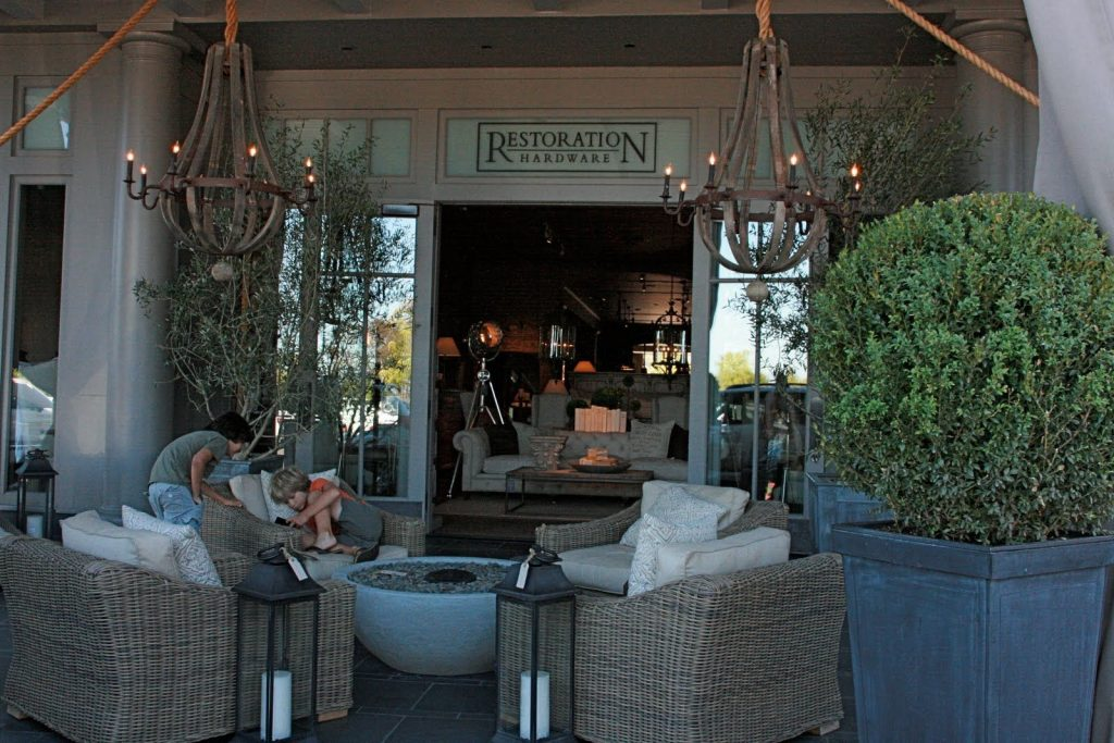 Furniture Foxy Outdoor Living Room Design And Decoration With