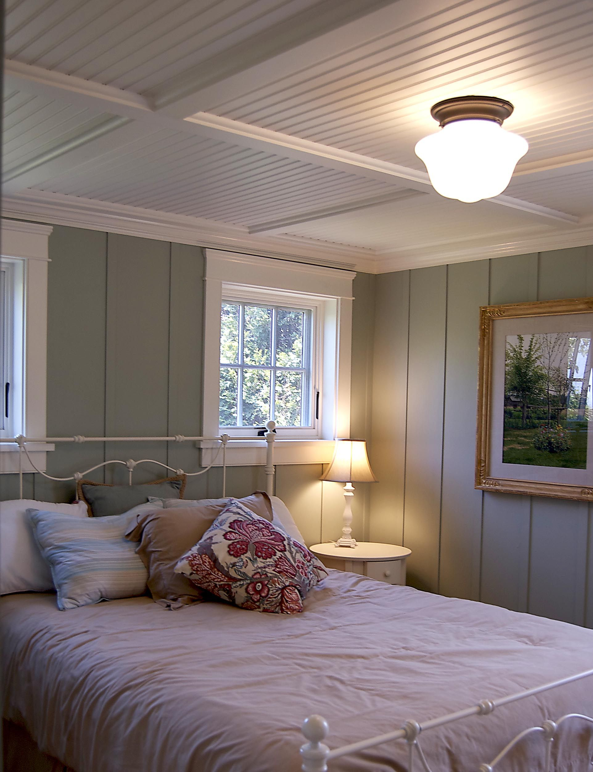 Gulfshoredesign Cottage Bedroom With Floor To Ceiling Painted