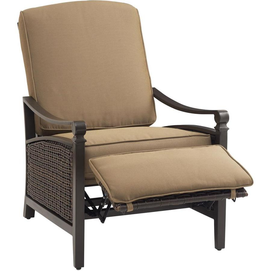 Hanover Outdoor Furniture Carson Wicker Aluminum Recliner Chair With