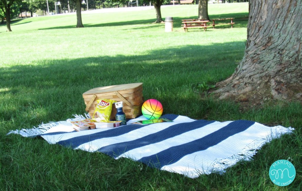 Outdoor Picnic Blanket Crochet Pattern Marias Blue Crayon