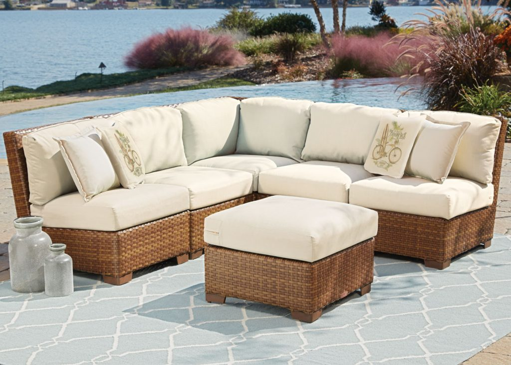 Real Estate Advise Protecting Your Outdoor Furniture In The Summer