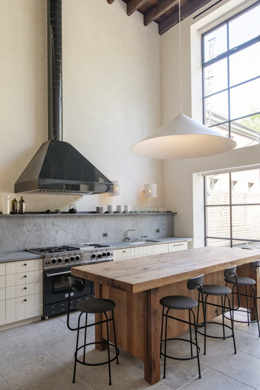 Steal This Look A Grand Scale Double Height Kitchen In Brooklyn