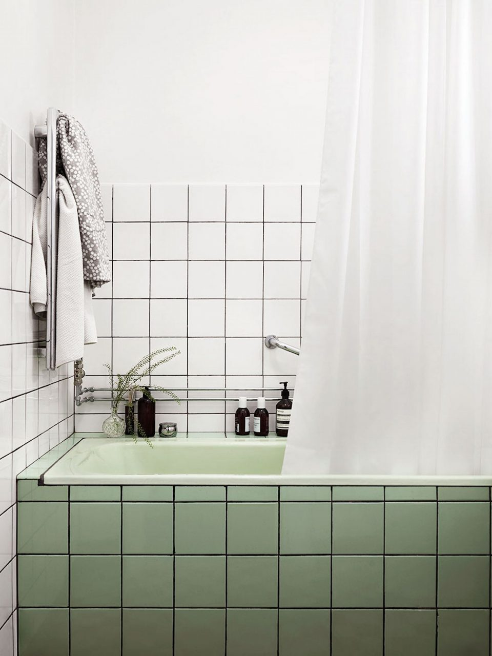 Think Outside The Subway 17 Bathroom Tile Ideas Trends