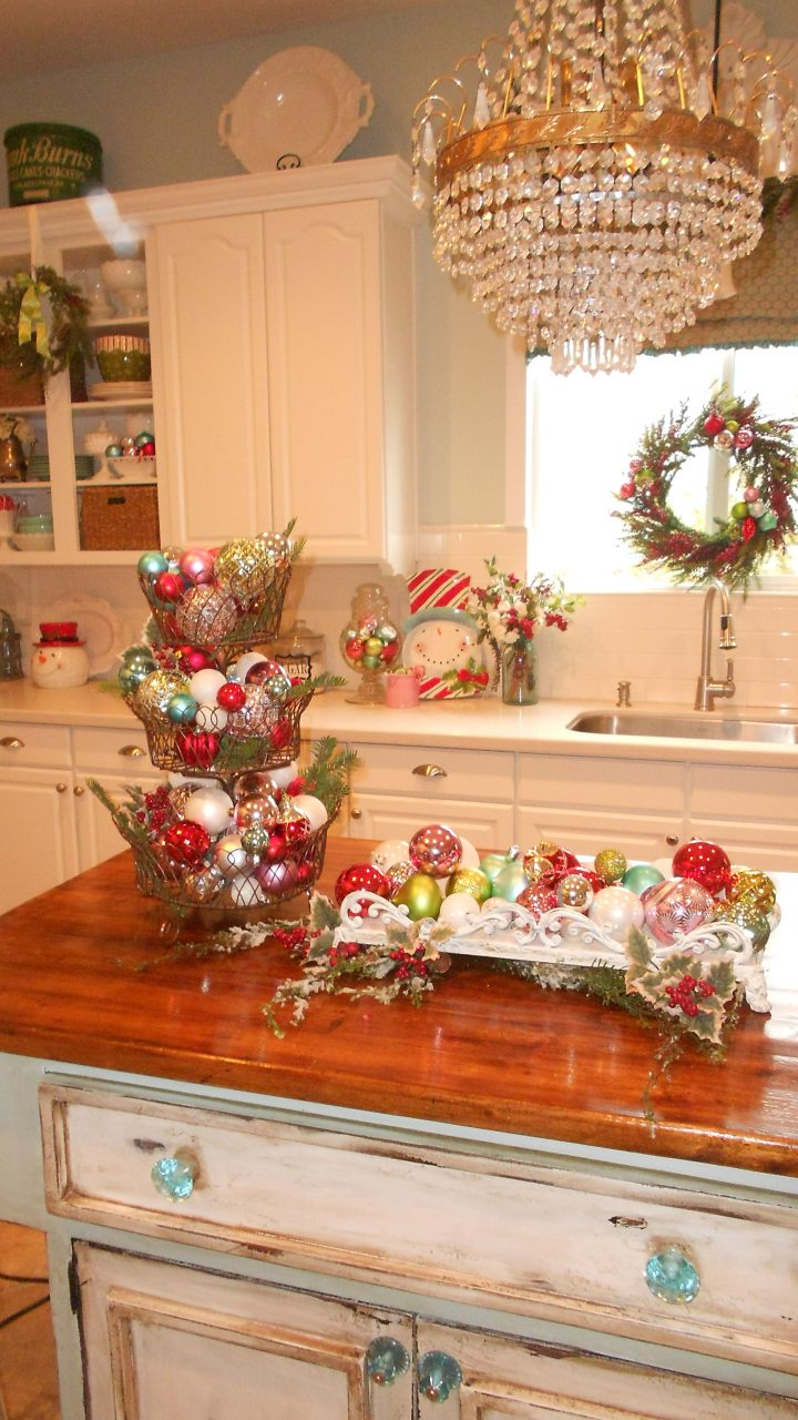 Top 40 Christmas Decorations Ideas For Kitchen Christmas