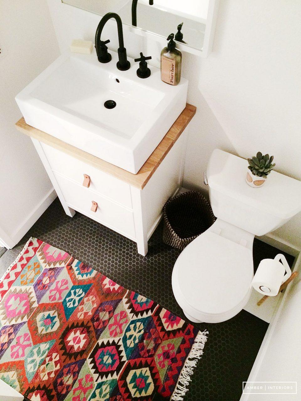 Trend Alert Persian Rugs In The Bathroom Bathrooms Powder Rooms
