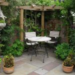 Small Courtyard Garden Ideas