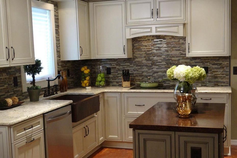 20 Small Kitchen Makeovers Hgtv Hosts Small House Ideas