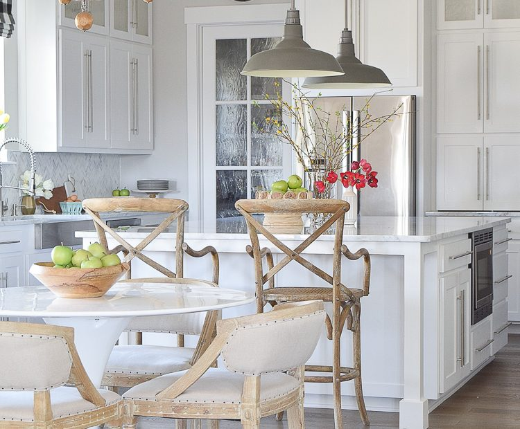 3 Simple Tips For Mixing Matching Light Fixtures Zdesign At Home