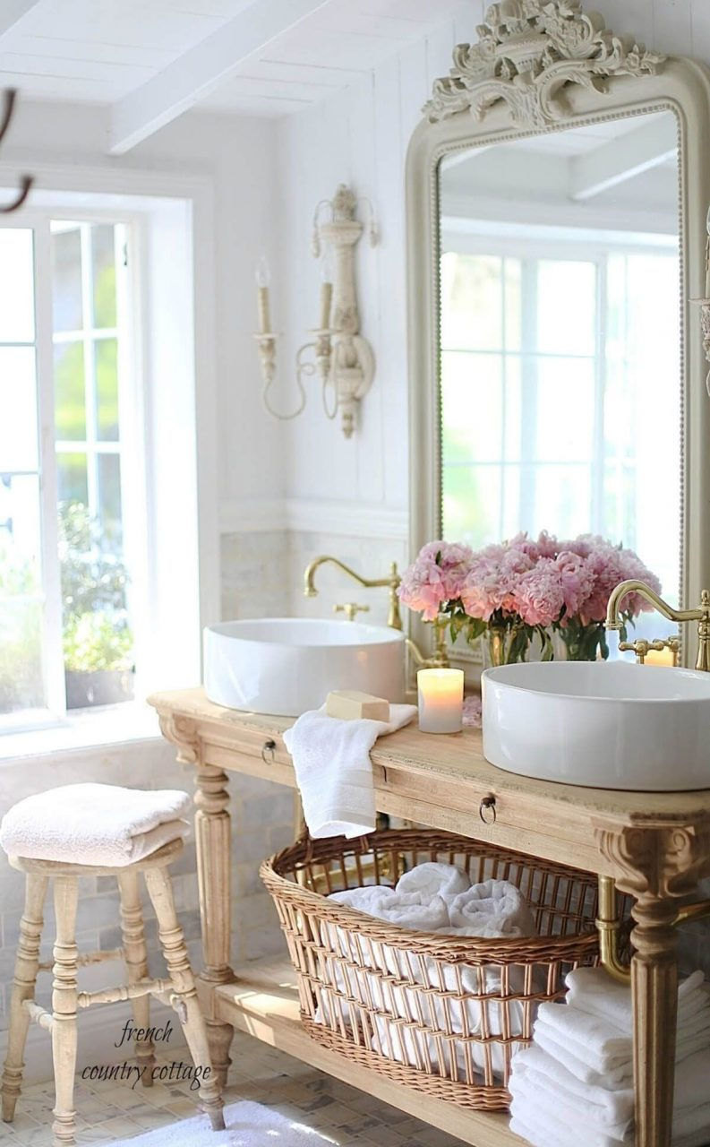 30 Wonderful Cottage Style Bathroom Ideas For A Charming And