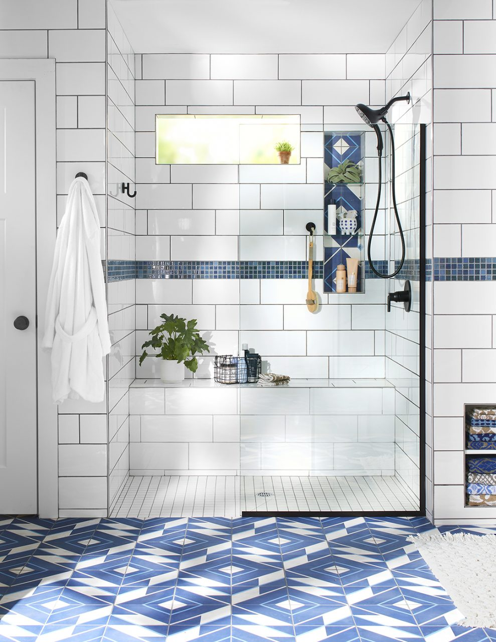 31 Breathtaking Walk In Shower Ideas