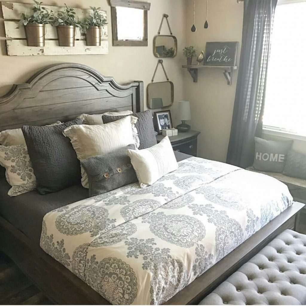 39 Best Farmhouse Bedroom Design And Decor Ideas For 2019