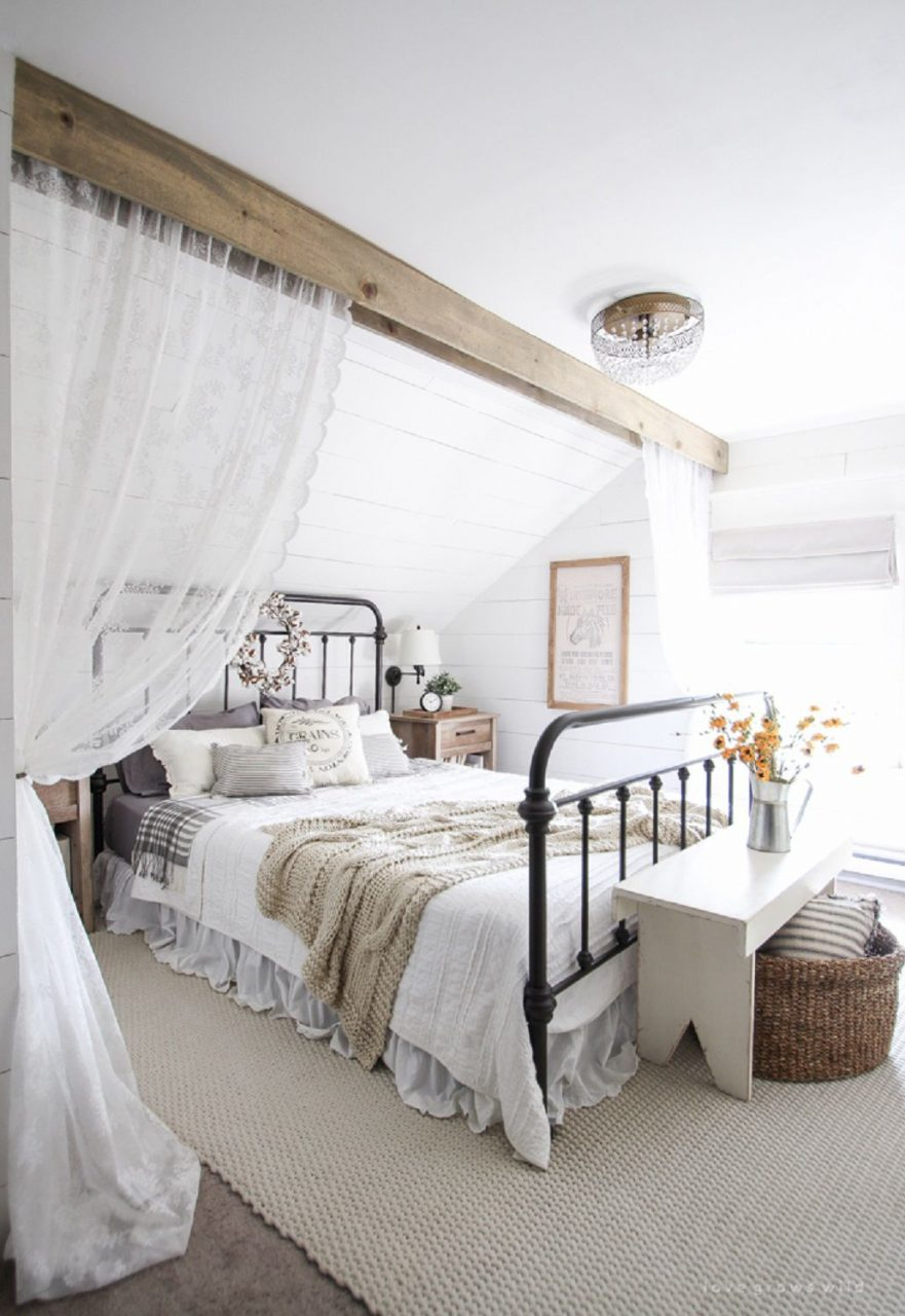 50 Decorating Ideas For Farmhouse Style Bedrooms