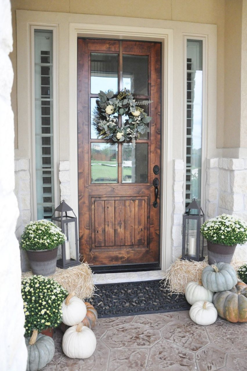 75 Farmhouse Front Porch Decorating Ideas Holiday Decorations