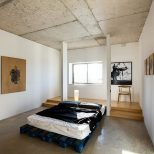 Bedroom 36 Rough Concrete Ceilings Walls And Beams Add Industrial