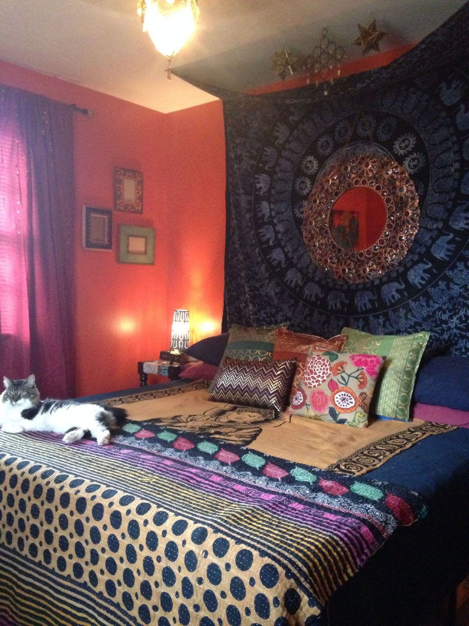 Bohemianindianmoroccan Style Bedroom Diy Tapestry Headboard