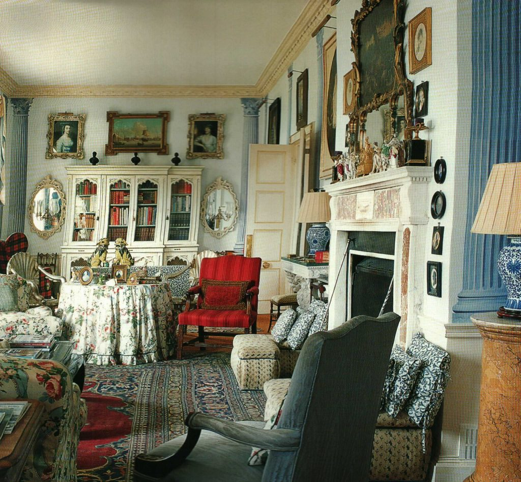 Chintz Filled Library In English Country Home Lovely Sitting Room