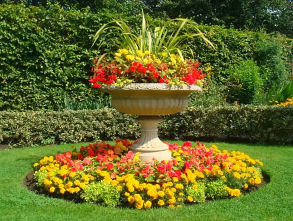 Garden Urn With Flowers Charming Garden Urns Gallery Xtend