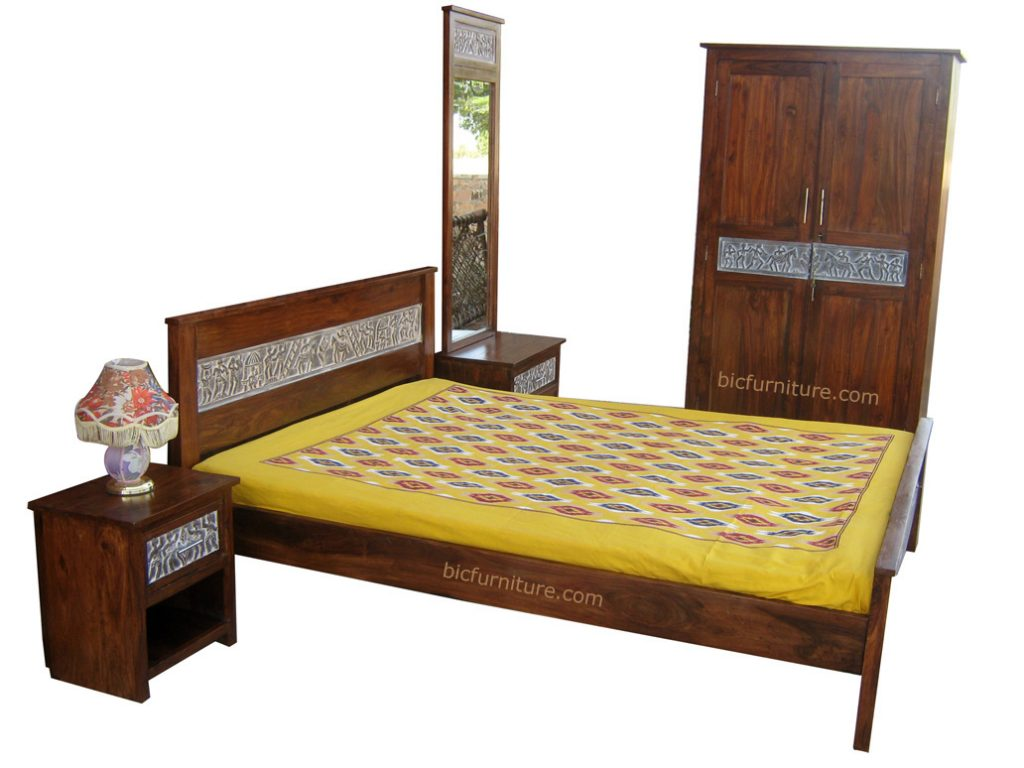 Indian Design Bedroom Furniture Set In Antique Carved Finish