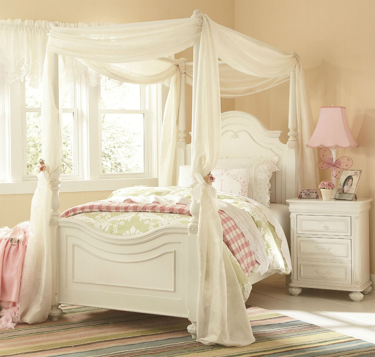 Legacy Classic Kids Charlotte Poster Canopy Bedroom Set In Antique