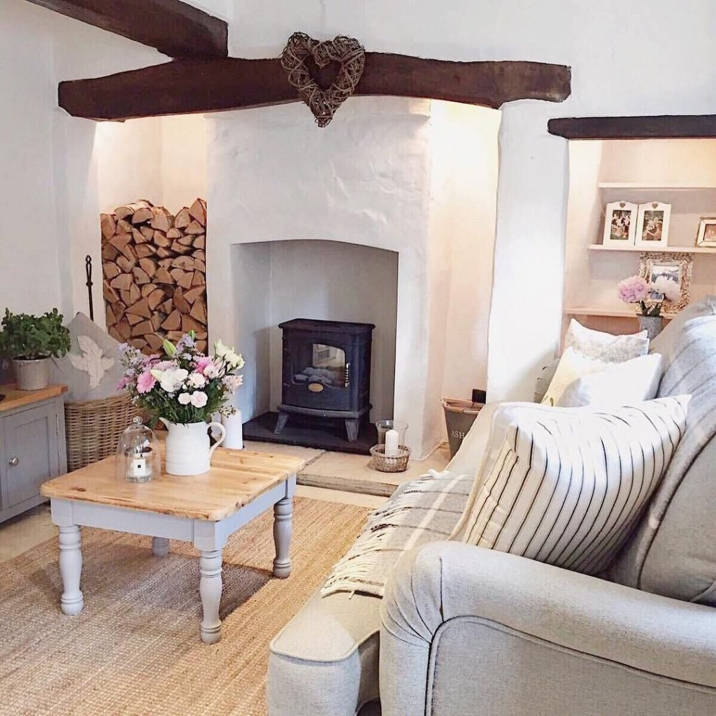 Marias Charming Country Cottage Cottage Interiors Country