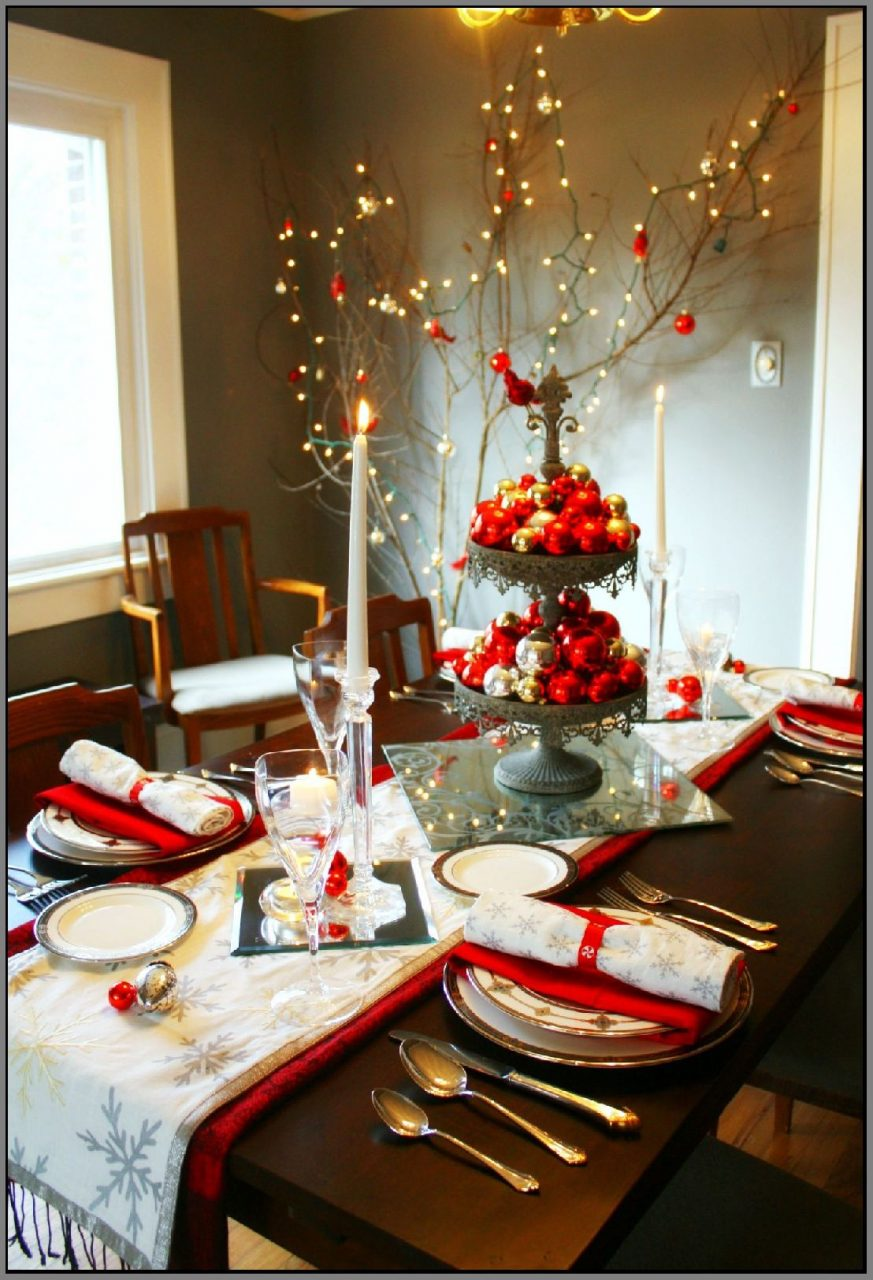 Modern Incredible Decoration Dining Room Christmas Decorations