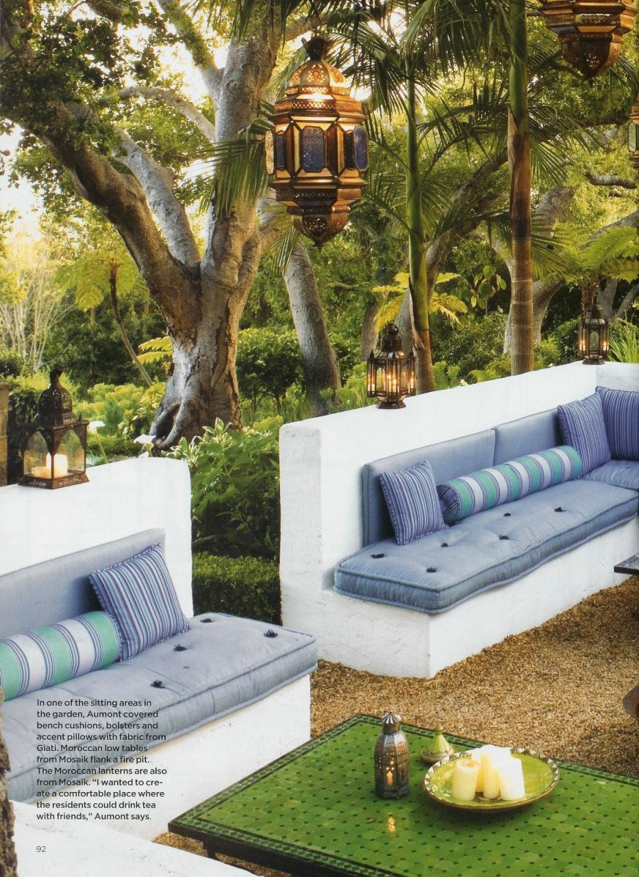 Moroccan Inspired Outdoor Room Helene Aumont Outdoor Built In