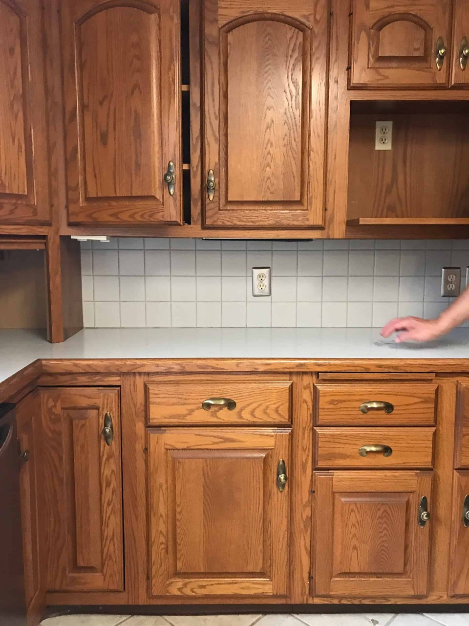 Painting Cabinets With Chalk Paintpros Cons A Beautiful Mess