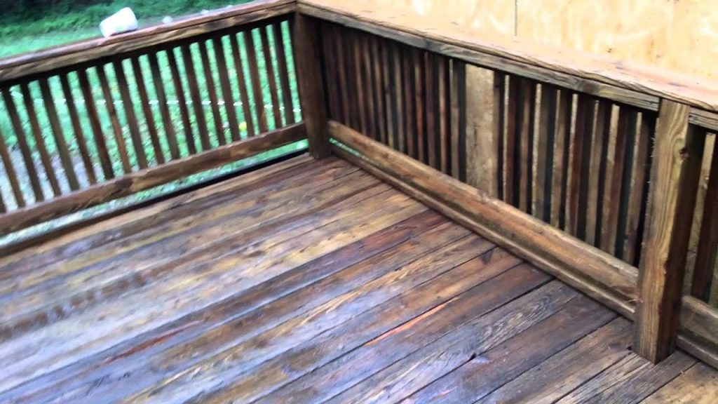 Pressure Washing A Deck Before And After Youtube