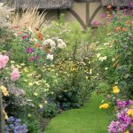 Shabby Chic Cottage Garden Ideas