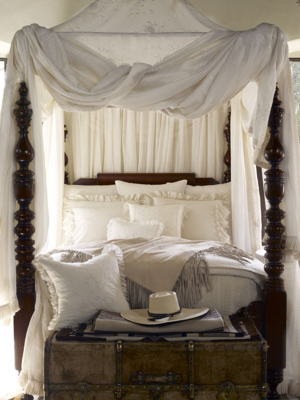Romantic Four Post Canopy Bed From Ralph Lauren Home British