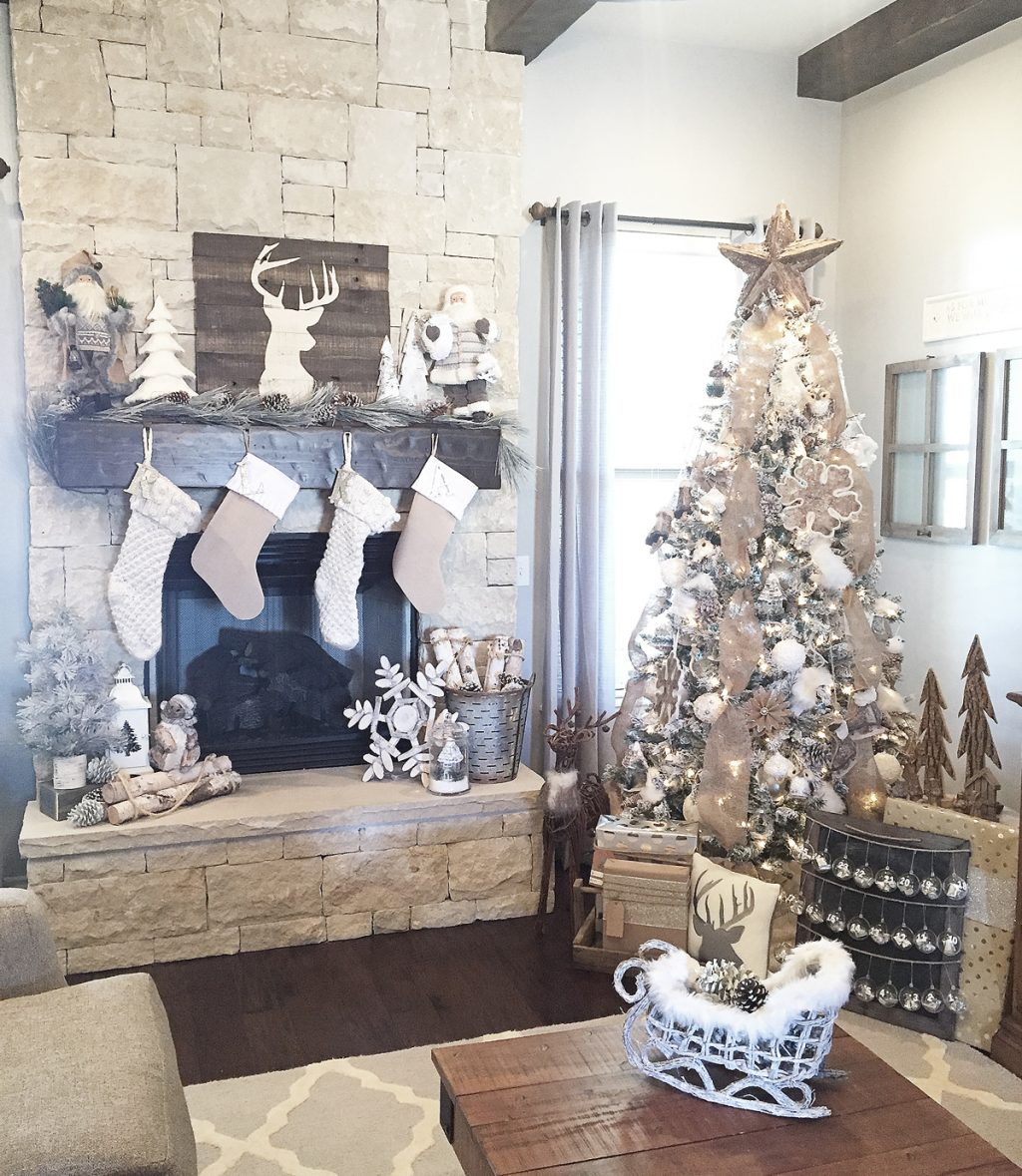 Rustic Farmhouse Christmas Mantel Decor Ideas